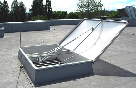 люк дымоудаления на крыше