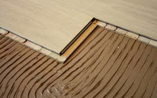 Паркет – качественный материал, который не уложить без специального клея