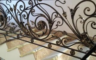 Кованые перила для лестниц – стильное и привлекательное решение для дома