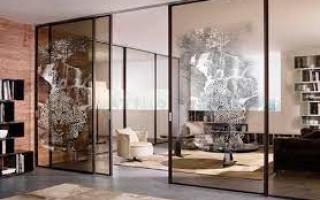 Раздвижные межкомнатные перегородки из стекла – стильное решение