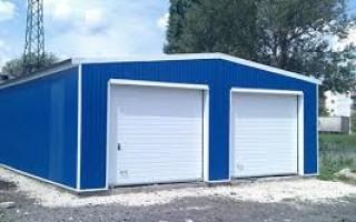 Практичность строительства гаража из стеновых сэндвич-панелей