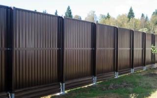 Качественный забор из профнастила – защита и украшение территории