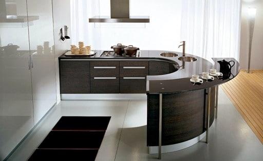 островная вытяжка на кухне